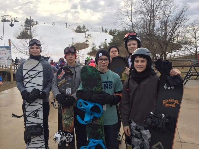 ski club group picture